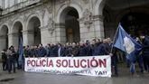 CONCENTRACION DE POLICIAS LOCALES DELANTE DEL AYUNTAMIENTO DE A CORUÑA