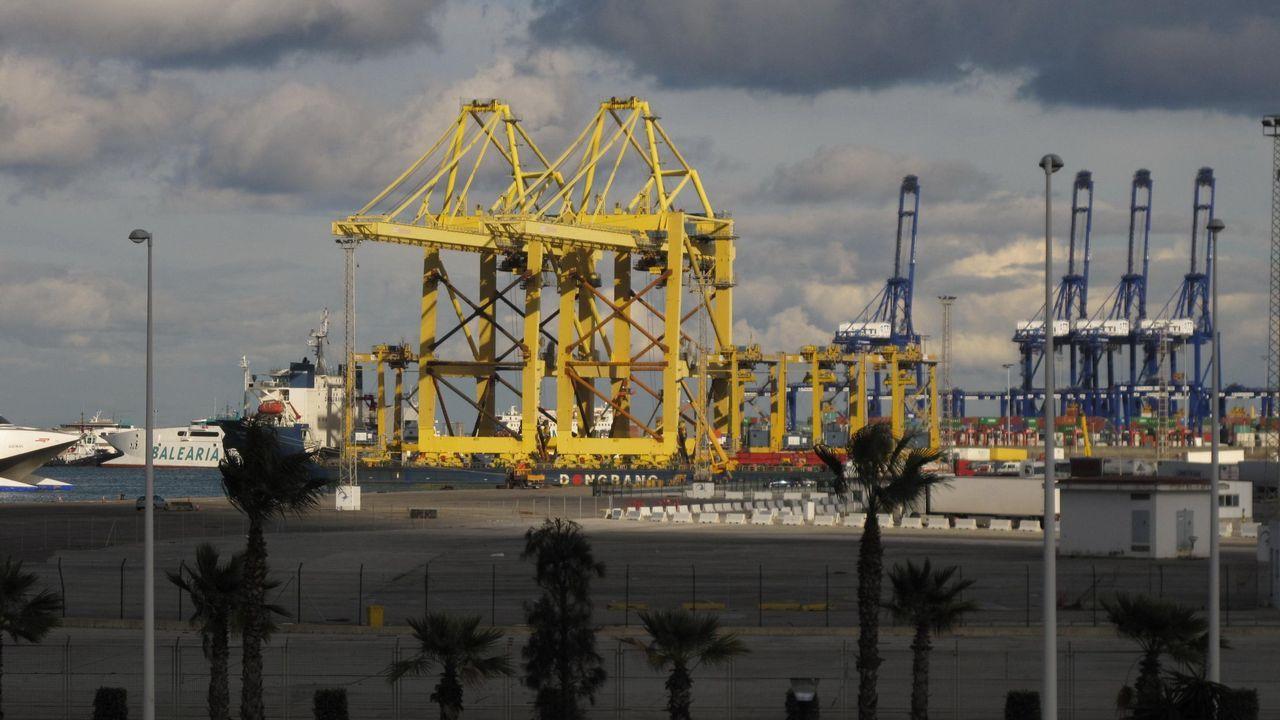 Algeciras: la gran puerta de Europa a la droga.Traslado de Arousa a Vigo de tres gallegos detenidos en la operación Terrón dulce el pasado mes de marzo