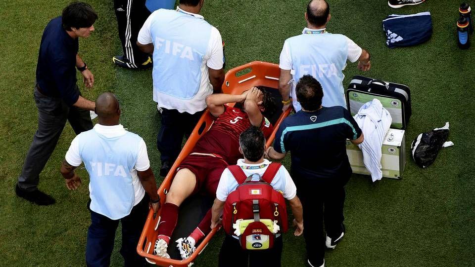 La emoción de Luis Suárez.Kevin-Prince Boateng en su actual equipo, el Shalke 04