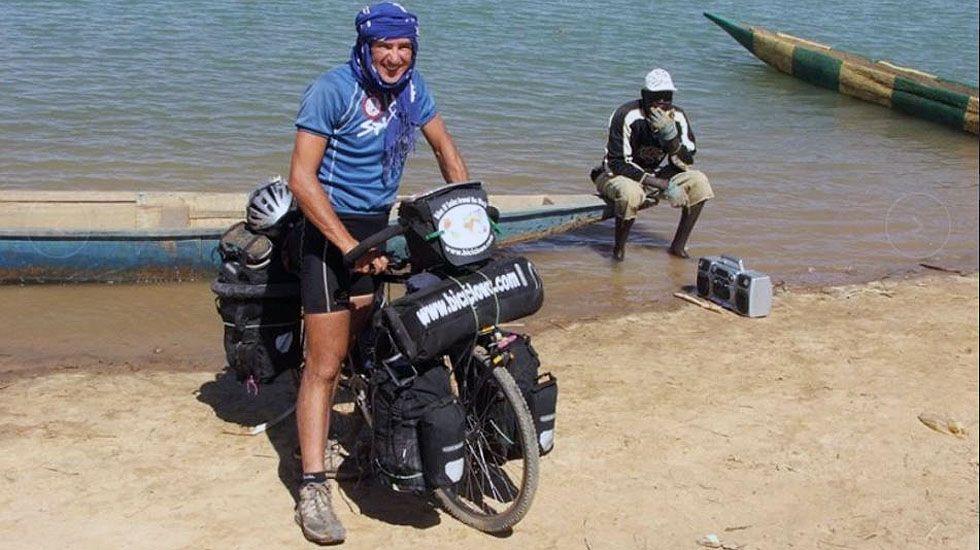 El biciclown asturiano pone fin a su vuelta al mundo.La empresa de mecanizado y fabricación de válvulas Talleres Jesús Álvarez S. A., asentada en Valnalón
