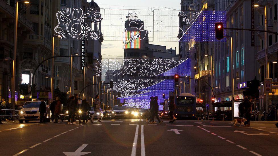 Los cortes en el centro de Madrid dividen a comerciantes y usuarios.José María Aznar