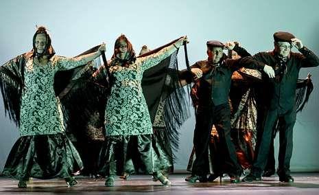 El Tour en vísperas del inicio.Unos doscientos bailarines de todas las edades actuaron el domingo en la gala final de las escuelas de baile Ritmolugo.