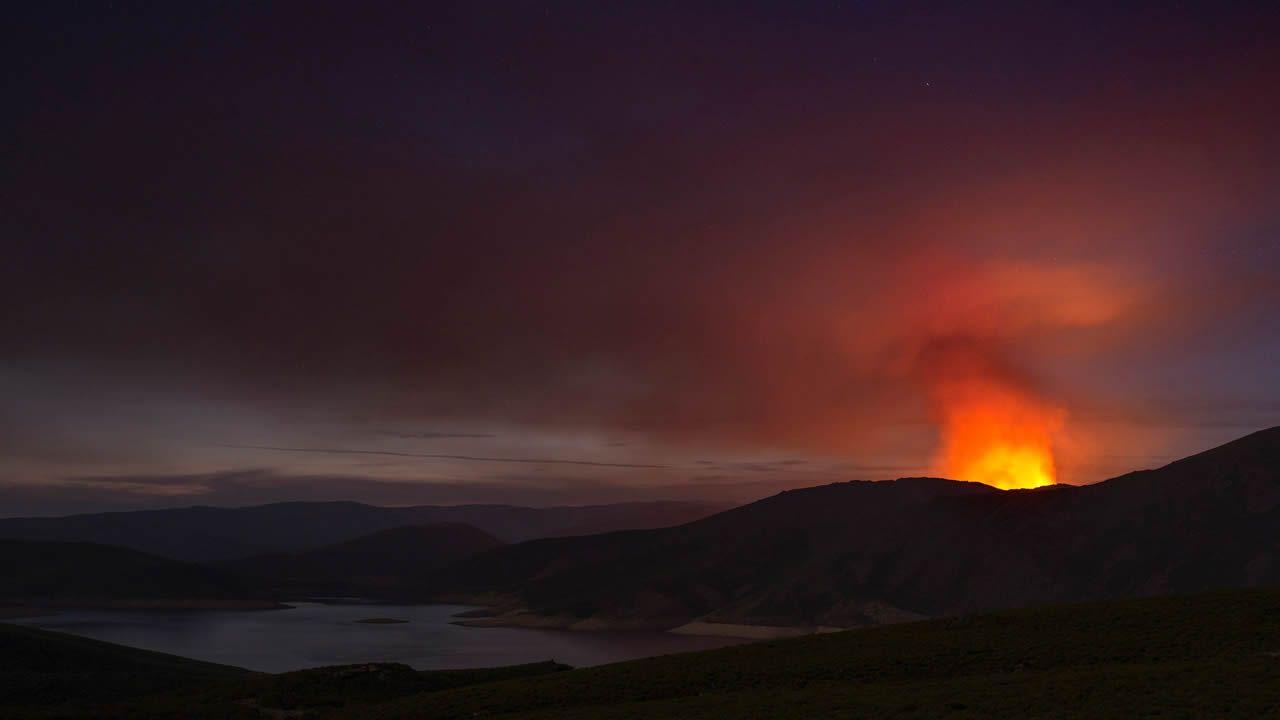 Dos incendios queman el parque de O Invernadoiro.