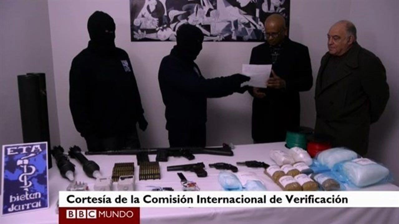 Estrasburgo condena a España a pagar 50.000 euros a dos etarras por «trato inhumano y degradante».Imagen de archivo del atentado en la T-4