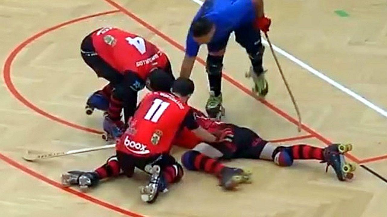 Brutal agresión con el stick en un partido de hockey.Liceo-Sporting