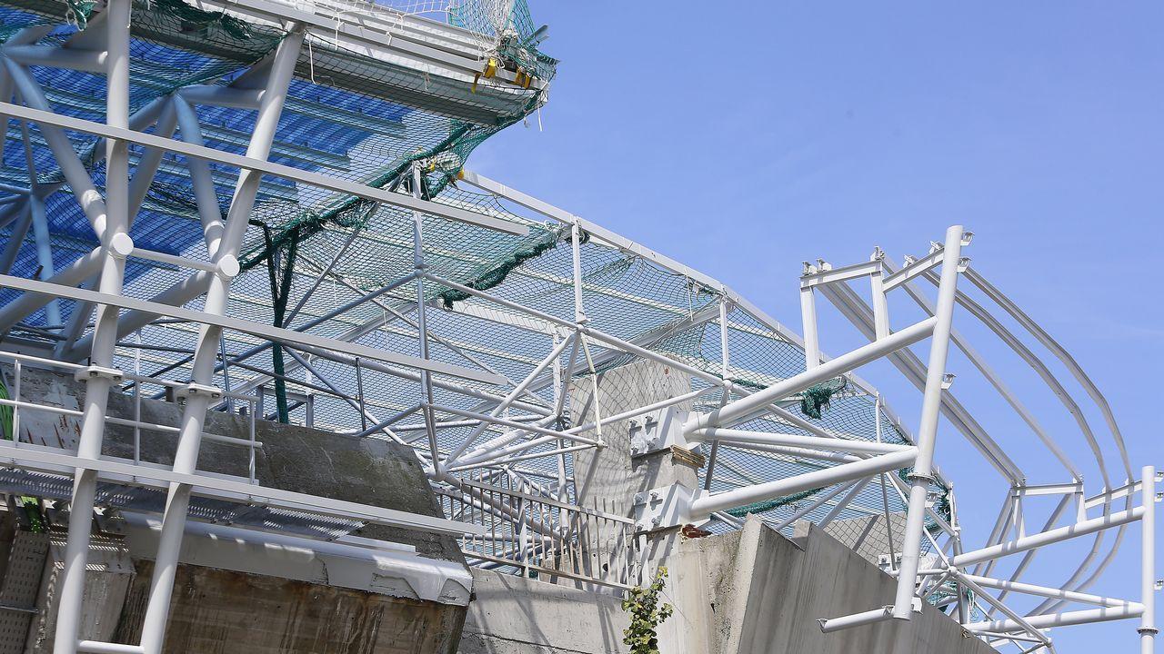 El estado de las obras en algunas partes del estadio este lunes muestra una estructura incompleta.