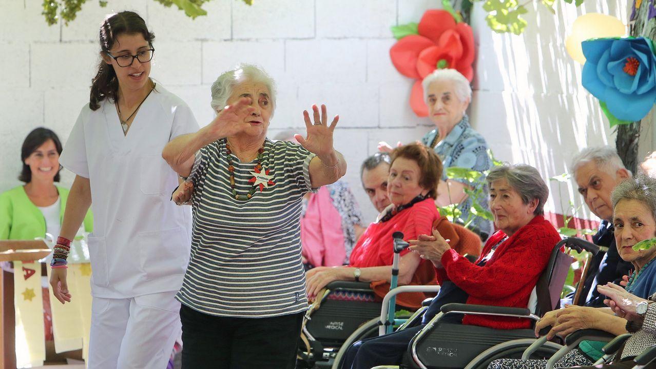 .Actividades lúdicas en la residencia de mayores Divina Pastora de Vilagarcía