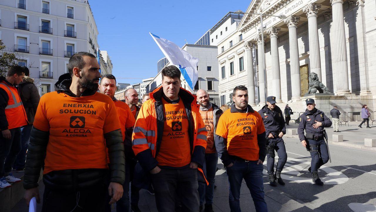Pedro Sánchez llena en Gijón.Trabajadores de Alcoa en Madrid