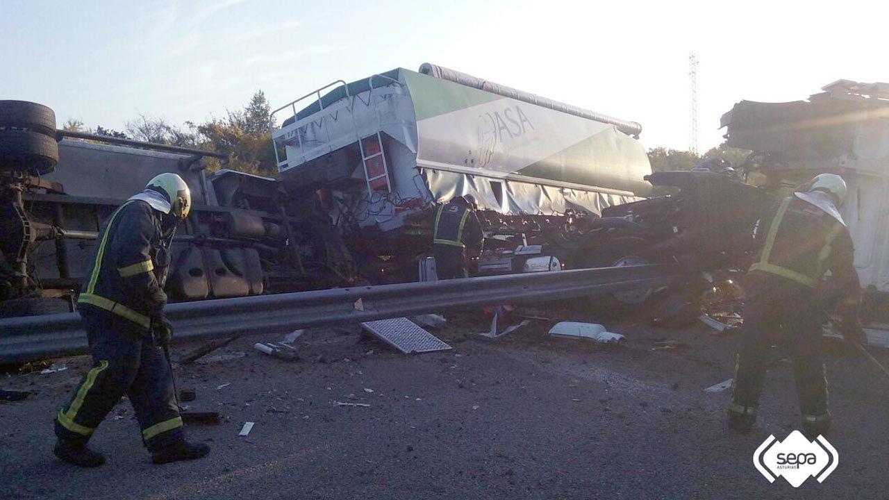 .Accidente múltiple en la autopista del Cantábrico, a la altura de Corvera