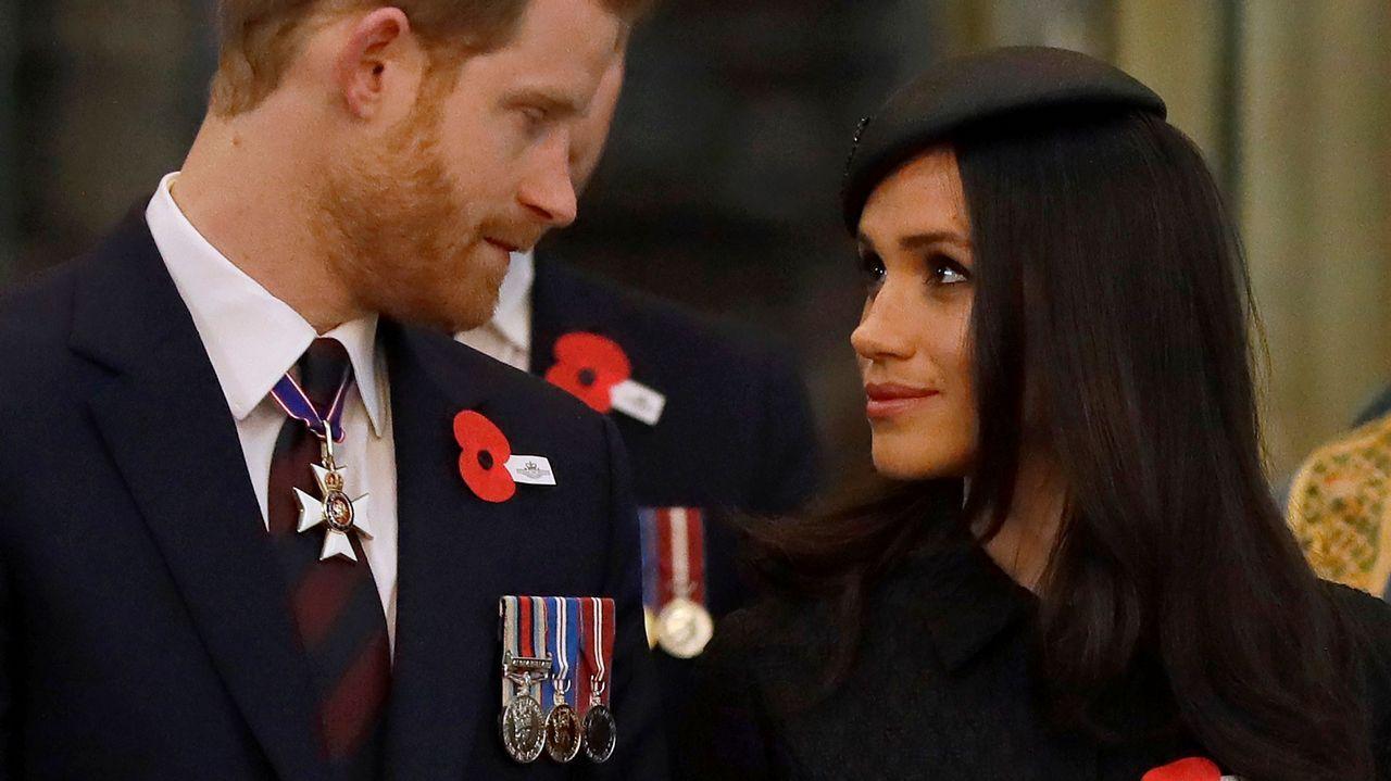 .El príncipe Harry y su prometida, Meghan Markle, durante la conmemoración del día Anzac en la abadía de Westminster, en Londres