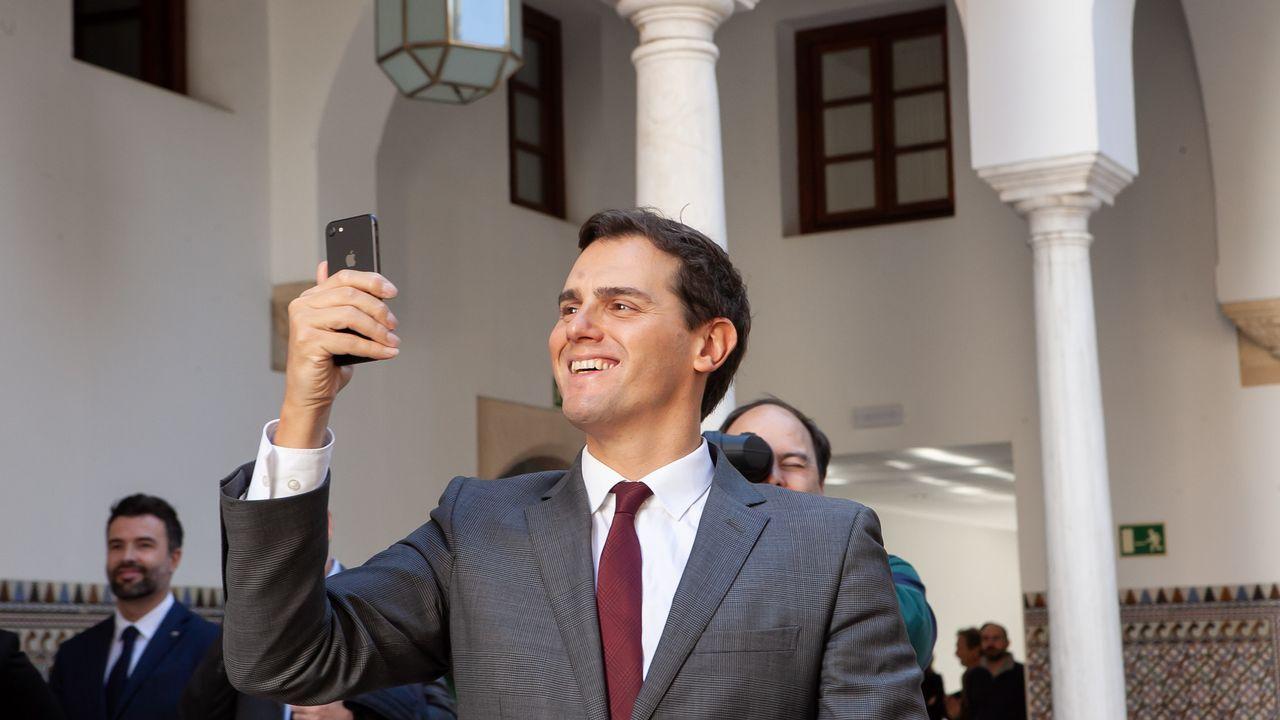 El líder de Ciudadanos, Albert Rivera, gesticula durante el debate. Se preguntó donde estaba Rajoy al principio de la sesión ya que el popular apareció poco antes de las diez y media.