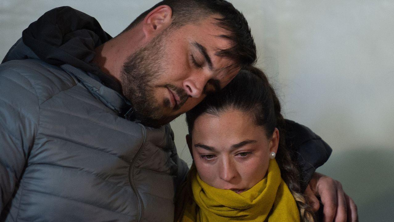 Totalán celebra una vigilia para rezar por Julen.La Brigada de Salvamento Minero asturiana, saliendo del hotel en el que pasaron la noche