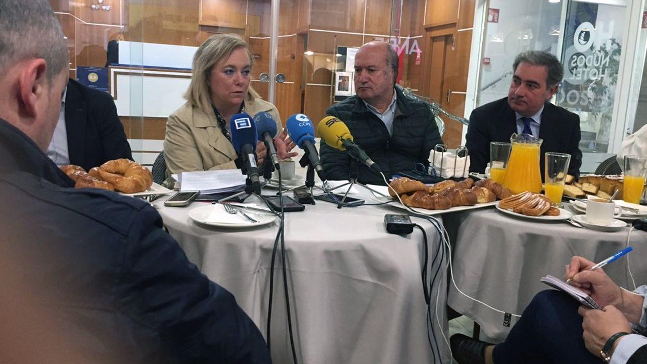 Mercedes Fernández, en un desayuno informativo en Avilés