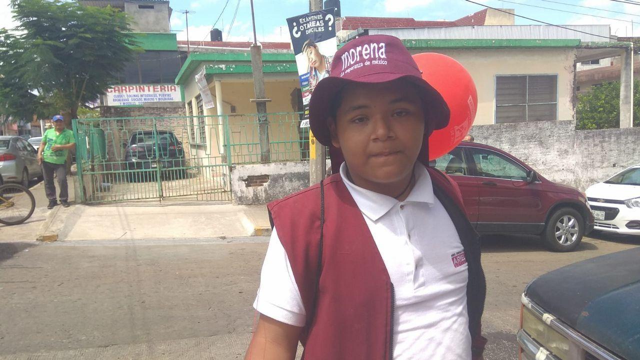«El Peje nos va a dar becas para que podamos estudiar», cuenta Jorge Gala, universitario