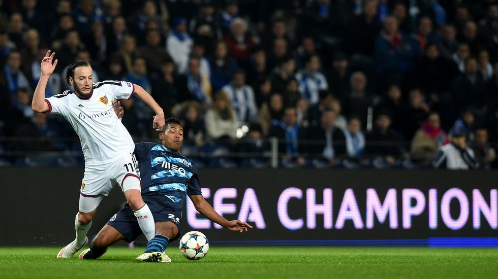 El Oporto goleó al Basilea y se metió en cuartos de final de la Champions League.