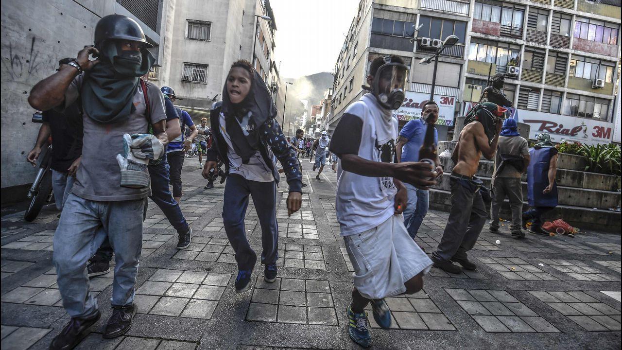 Las caras que pasan más desapercibidas del Gobierno de Rajoy.Central térmica de HC en Aboño