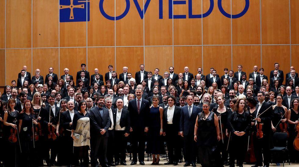 Los reyes Felipe y Letizia durante el tradicional concierto de los Premios Princesa de Asturias, celebrado en el Auditorio Príncipe Felipe de Oviedo, en la víspera de la ceremonia de entrega de los galardones.