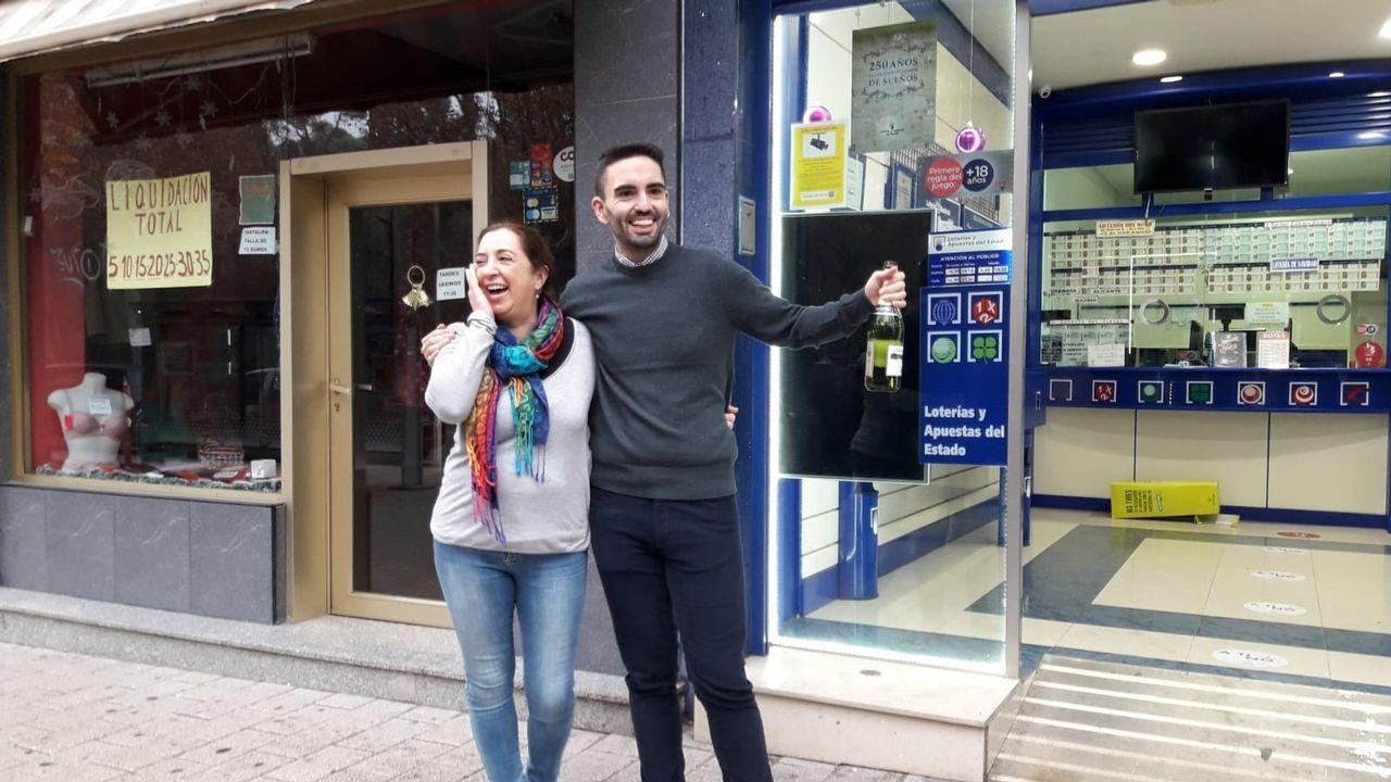 La Administración de Lotería número 7 de Albacete, situada en la Avenida de España, ha vendido 200 décimos del número 21.015, segundo premio del Sorteo Extraordinario de la Lotería de Navidad, que ha dejado en la ciudad un total de 24 millones de euros.