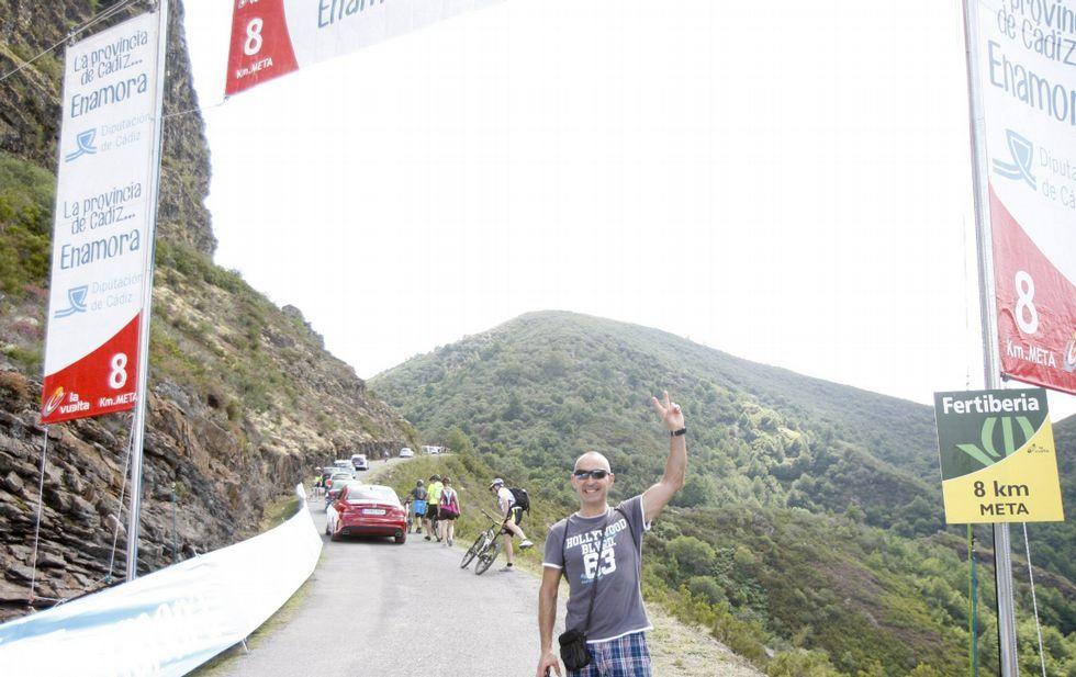 La nieve cubre de blanco las zonas altas de Galicia.La última subida de la Vuelta al Pan de Zarco, en el 2014, fue un tremendo éxito de público.
