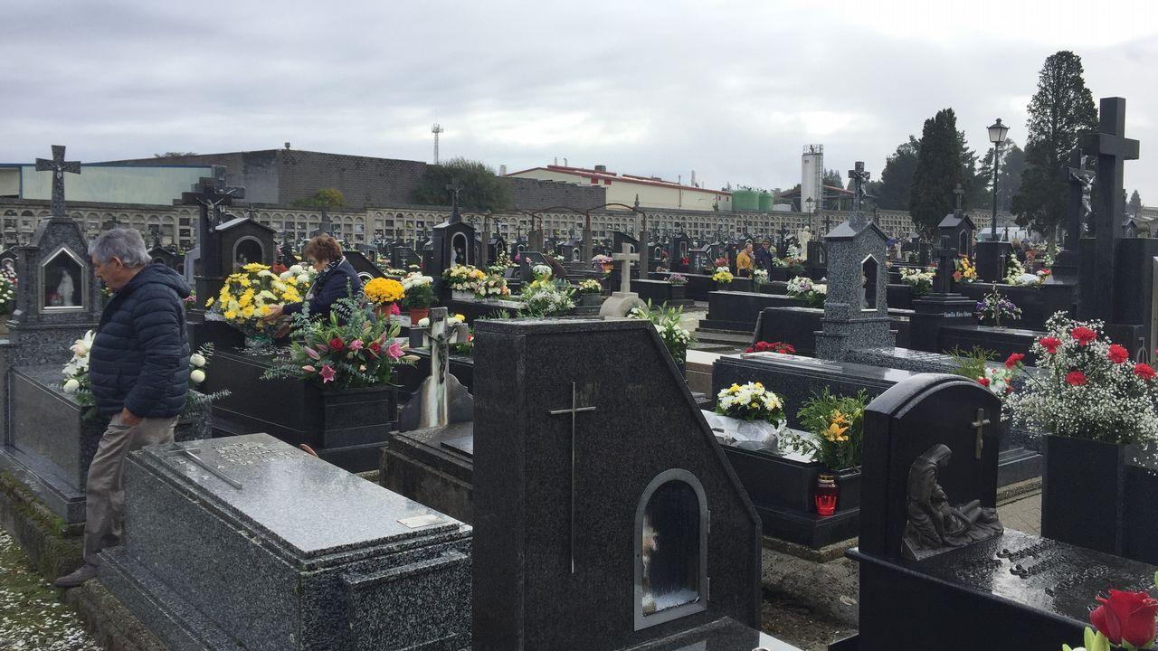 Los cementerios se llenan de recuerdos
