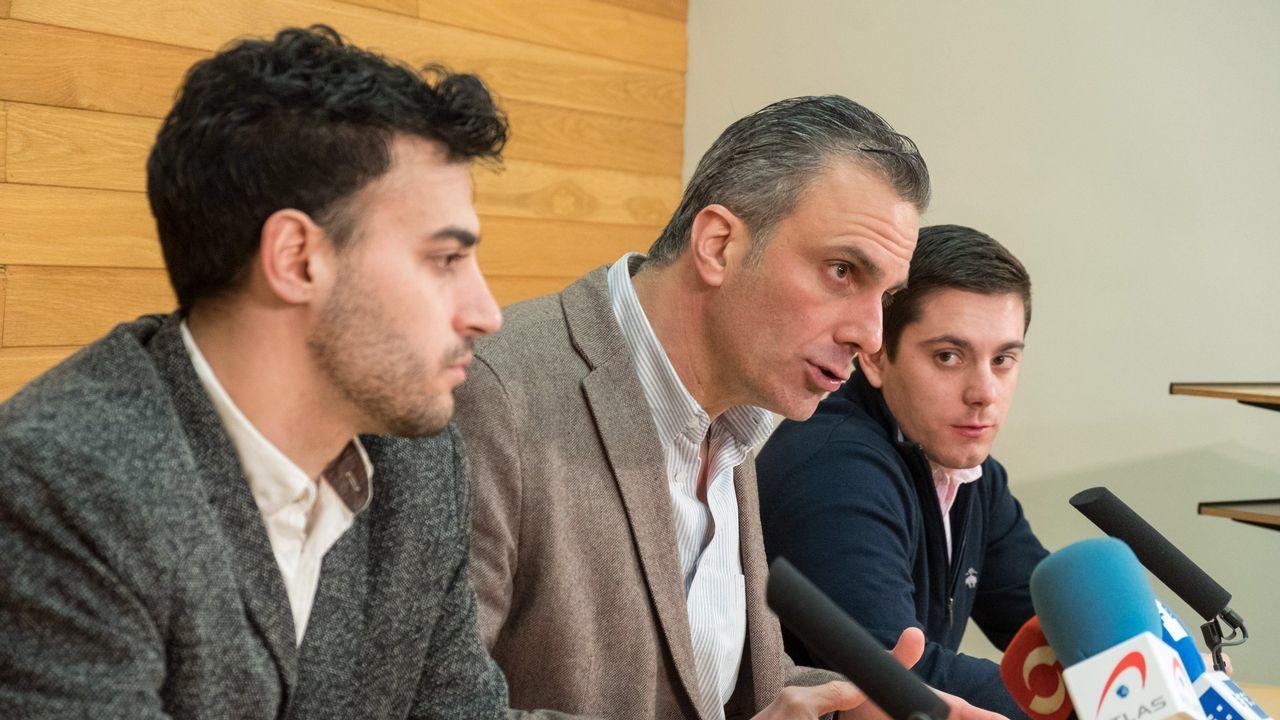 El secretario general de Vox, Javier Ortega, durante una rueda de prensa en Logroño