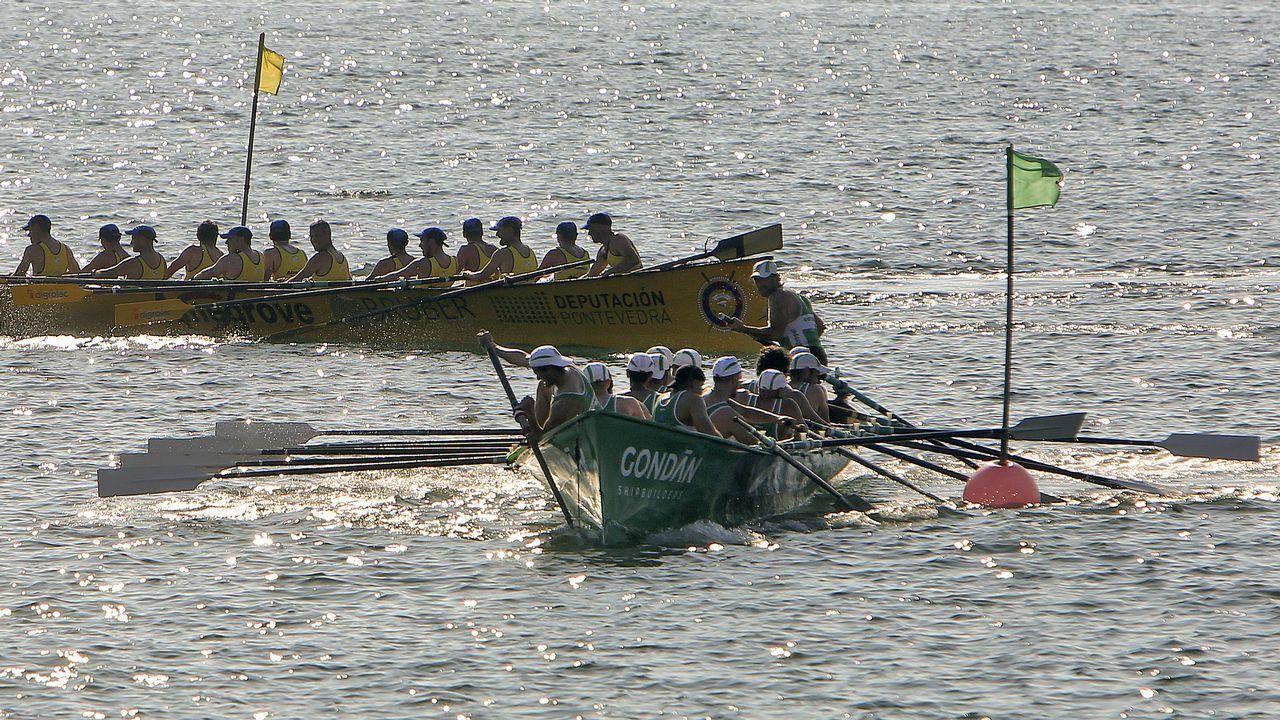 Travesía a nado puerto de Vilagarcía