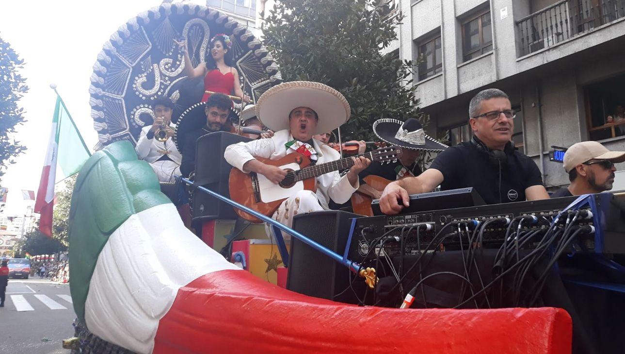 Carroza de México en el Día de América en Asturias 2018