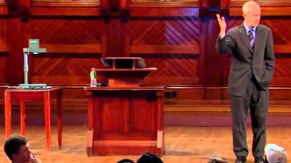 Michael Sandel, en un momento de su programa 'Justicia'
