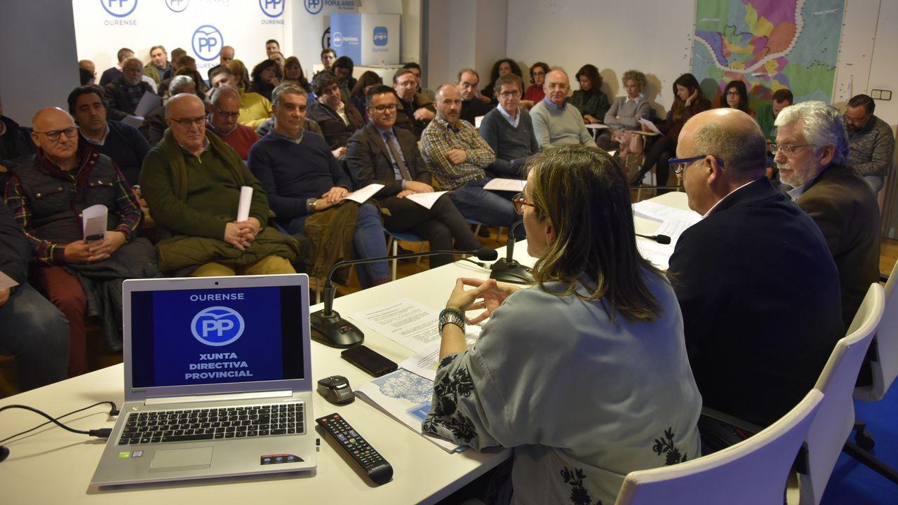 Presentación de la plataforma ?Feminismo, nin un paso atrás - Ourense? en el Liceo