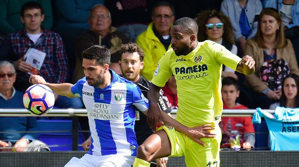Las imágenes del Sporting de Gijón - Deportivo.Anquela y Baraja