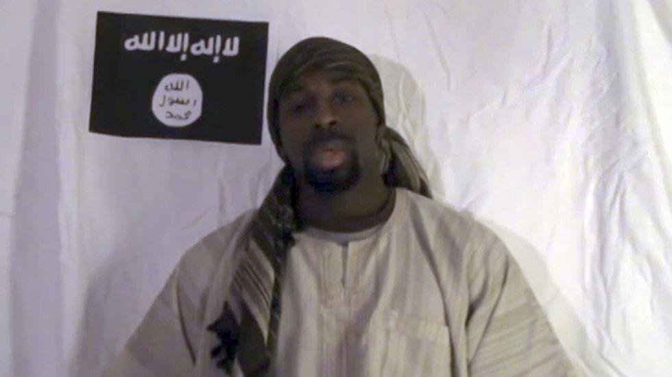 La vida de Osama Bin Laden en las cuevas de Tora Bora.Amedy Coulibaly en un vídeo pensado para su emisión tras los atentados