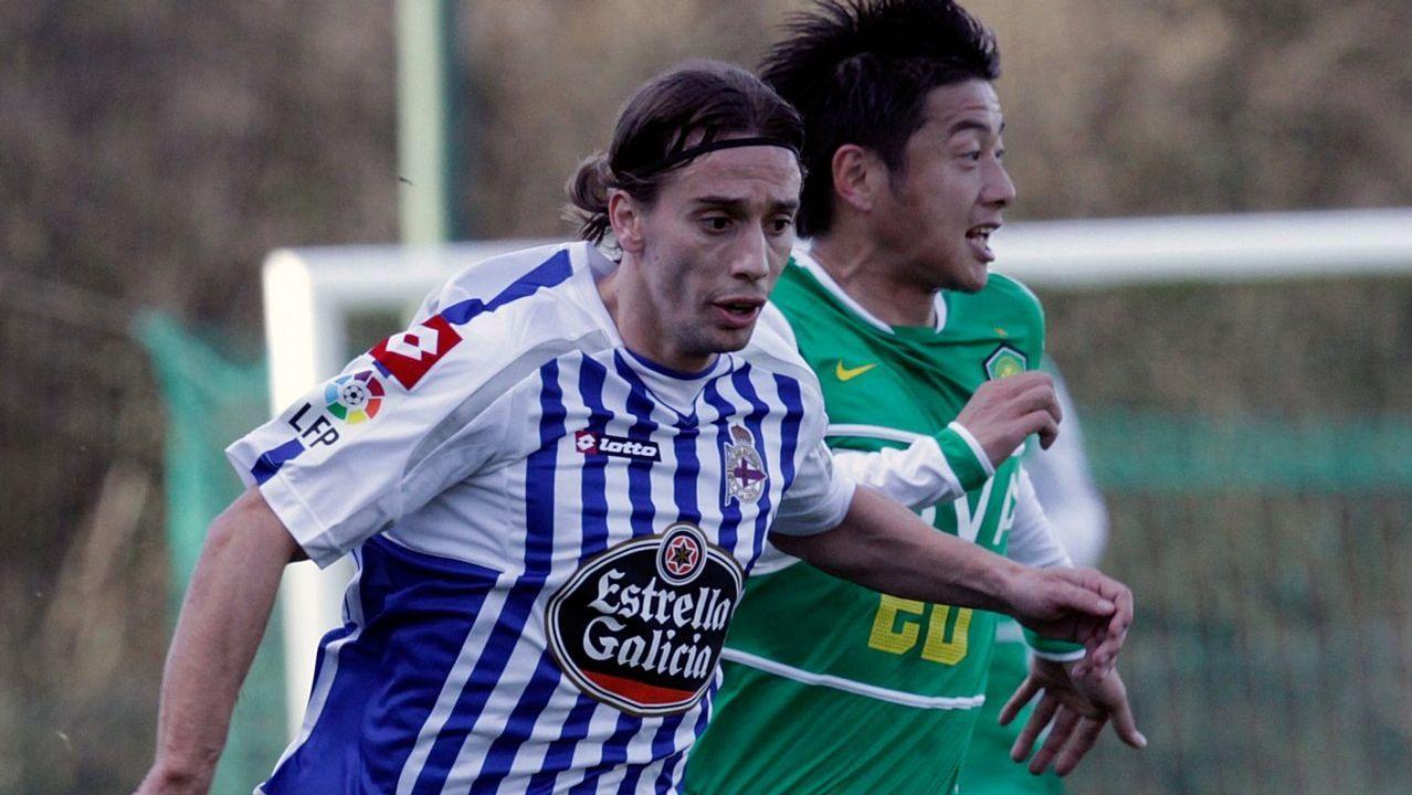 Temporada 2010/11 La temporada que acabará con el primer descenso a Segunda en este siglo. Llegan Pepe Sand, Xisco y Javito. Este último ni debuta por problemas con su tránsfer. El argentino apenas cuenta y Xisco anota 2 goles.
