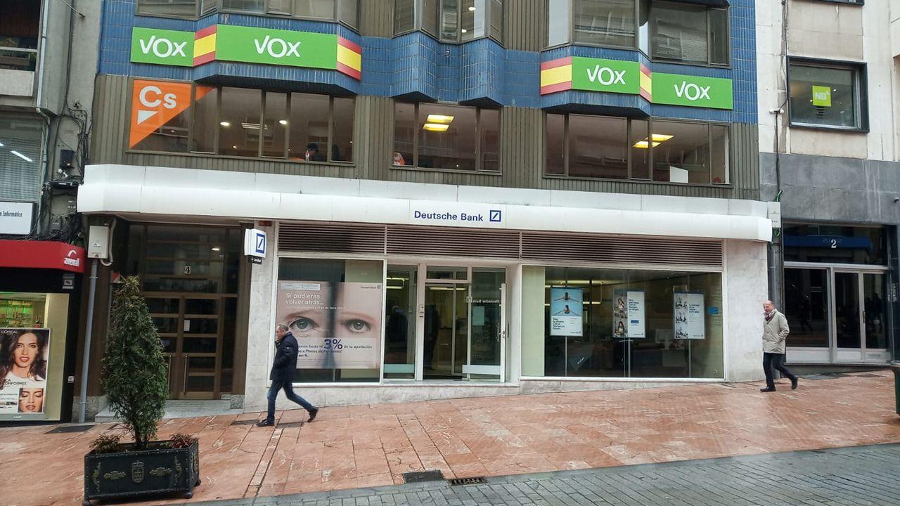 Sede de Vox en Oviedo, situada en el mismo edificio que la de Ciudadanos