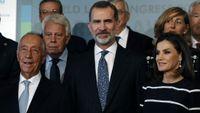 El presidente de Portugal y premio Fernández Latorre, Marcelo Rebelo de Sousa, el expresidente del Gobierno Felipe González, y los reyes, ayer en el Congreso Mundial de Derecho en Madrid.