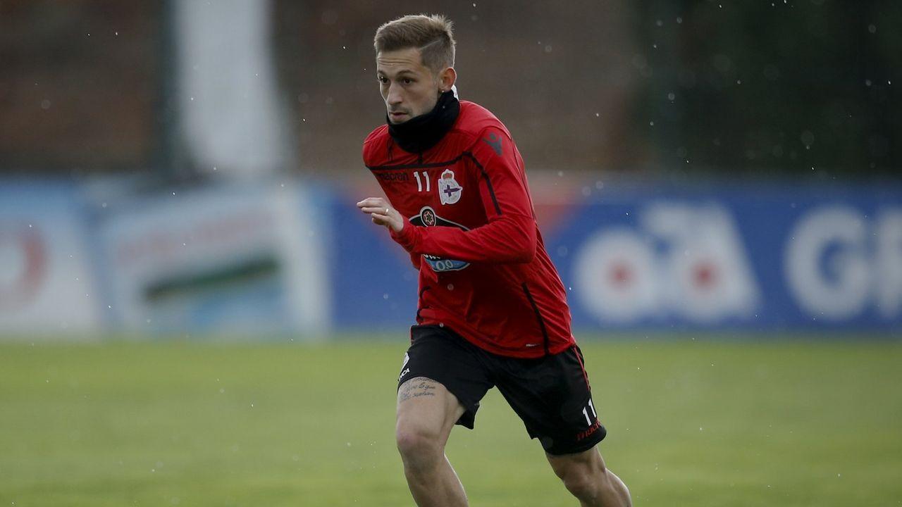 Los jugadores del Oviedo celebran el gol de Christian al Numancia