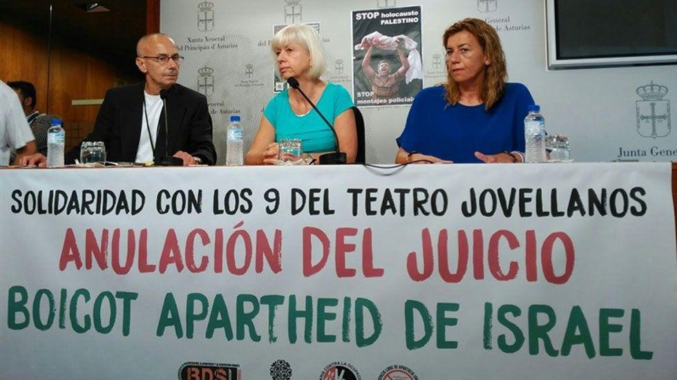 Juicio a «los 9 del Jovellanos».Un momento de la presentación de la campaña de solidaridad con los «9 del Jovellanos»