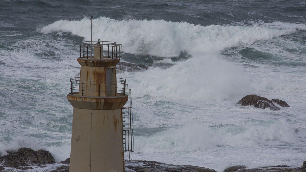 La borrasca Helena llega a A Coruña.Desbordamiento del río Tambre