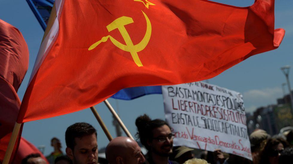 Manifestación de CSI, SUATEA, CNY y CGT, por el Primero de Mayo, en Gijón