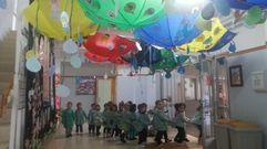 Paraguas y chubasqueros por la paz en Poio