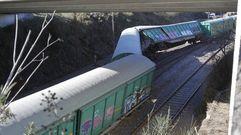Así fue el descarrilamiento de un tren de mercancías en Boqueixón