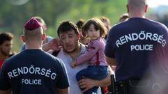 Impotencia en los refugiados bloqueados en la frontera entre Hungría y Serbia