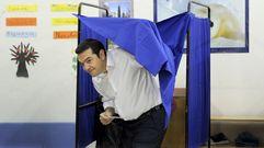 Los griegos tripiten ante las urnas
