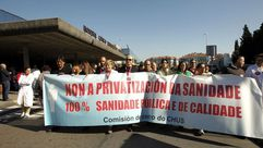 Concentración en el Clínico de Santiagoen solidaridad con la huelga del Álvaro Cunqueiro