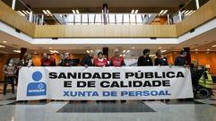 Concentración en el Hospital Clínicobajo el lema «Sanidad pública y de calidad»