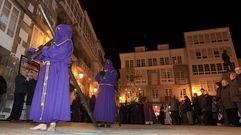 Los Vía Crucis de Viveiro llenan las calles de silencio y devoción
