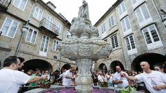 San Vicente convierte el agua en vino
