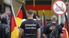 Contramanifestación de la ultraderecha alemana en Colonia contra los simpatizantes de Erdogan