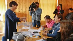 La número 2 del PSOE y la 6 del BNG por A Coruña depositan su voto