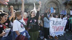 Miles de jóvenes marchan contra las reválidas