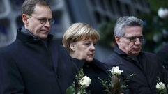 Angela Merkel visita el lugar del atentado